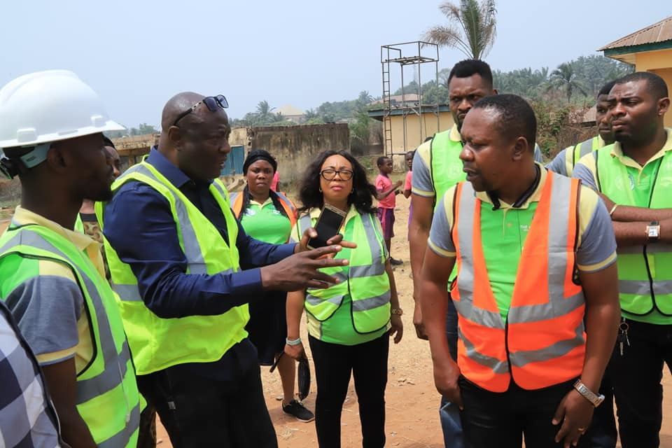 The Chairman State Steering Committee and Honourable Commissioner for Environment, Dr. Solomon Ogunji, recently took a tour round Abia NEWMAP project sites across the State. In the company of Permanent Secretary Ministry of Environment and management team,  Abia NEWMAP Project Coordinator and field officers and some media personnels, the exhausative tour covered NEWMAP five (5) gully erosion sites at UUMUOGELE UMUAKWU & UMUEZEUKWU NSULU in Isiala Ngwa north local government area, UMUAGU IBEKU & AMUZUKWU IBEKU in Umuahia north local government area and AMUDA ACHARA in Umunneochi local government area. These pictures tell the remaining stories……